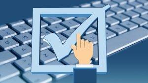Dôslednejšie overovanie príjmu klientov v sociálnej poisťovni